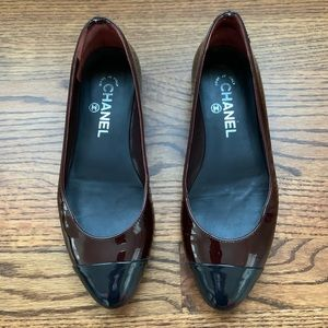 Chanel Patent Leather 2-toned burgundy Flats